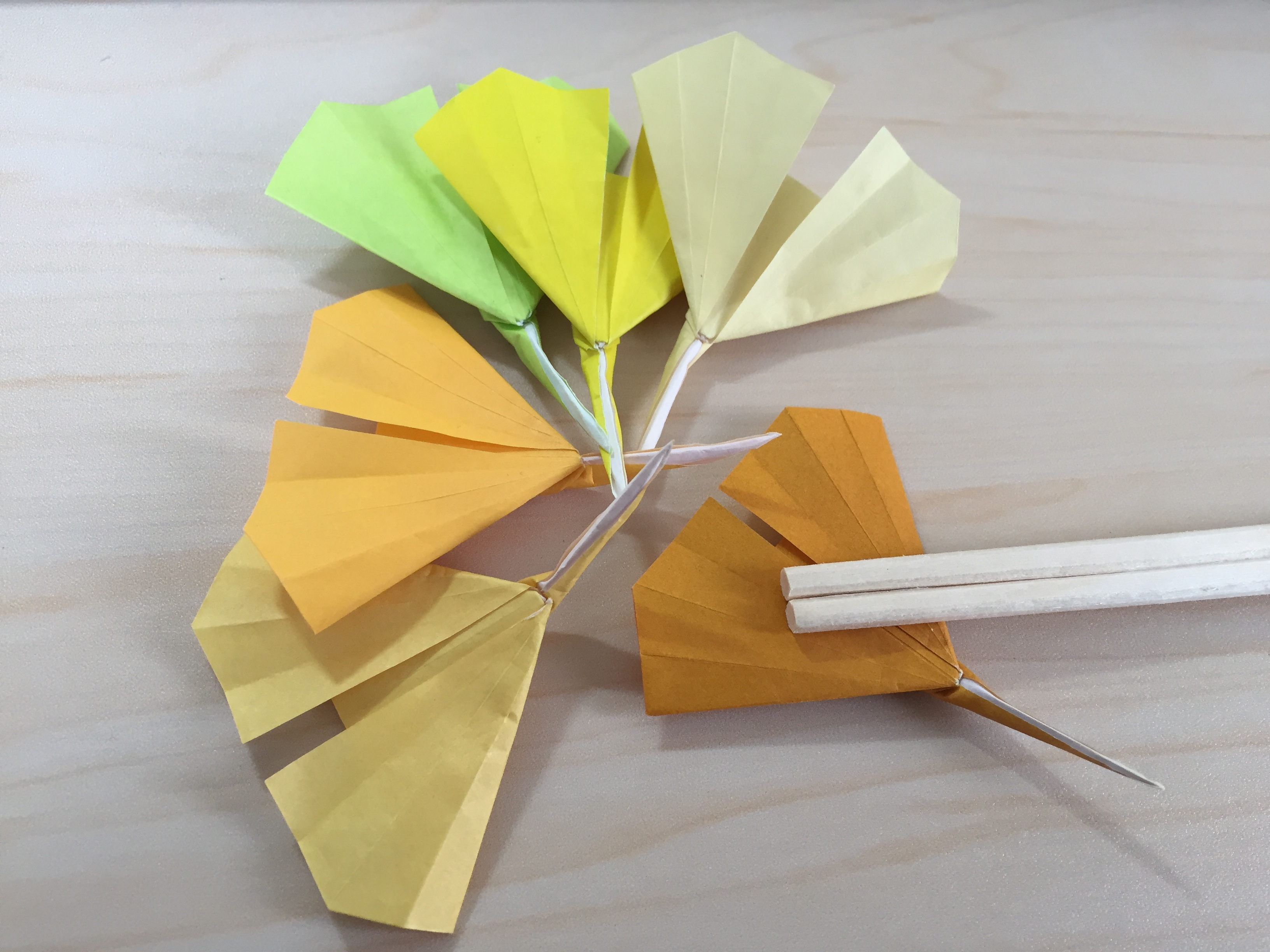 折り紙でいちょうの箸置き