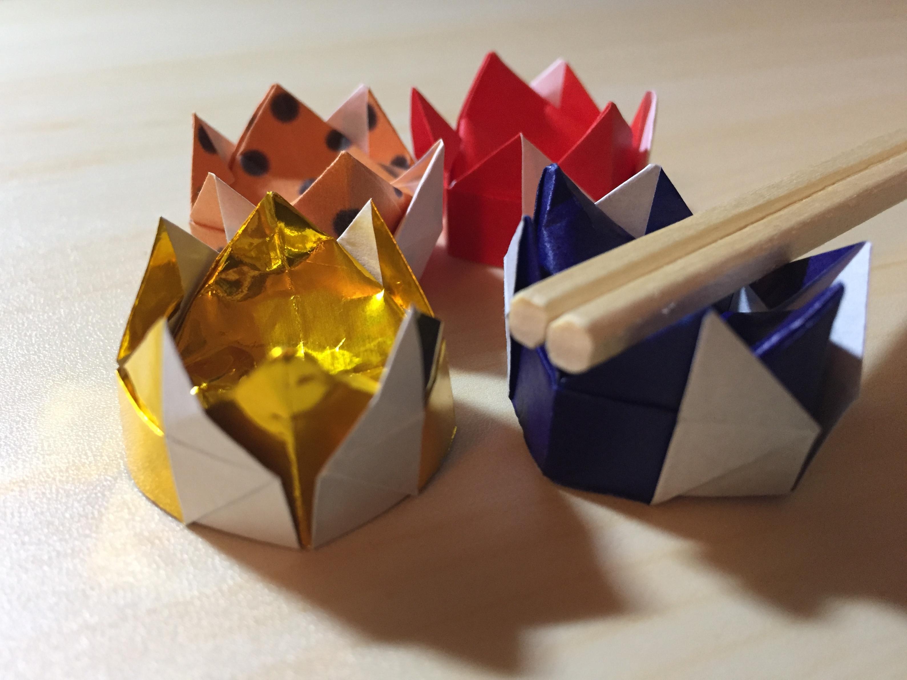 折り紙で王冠の箸置き