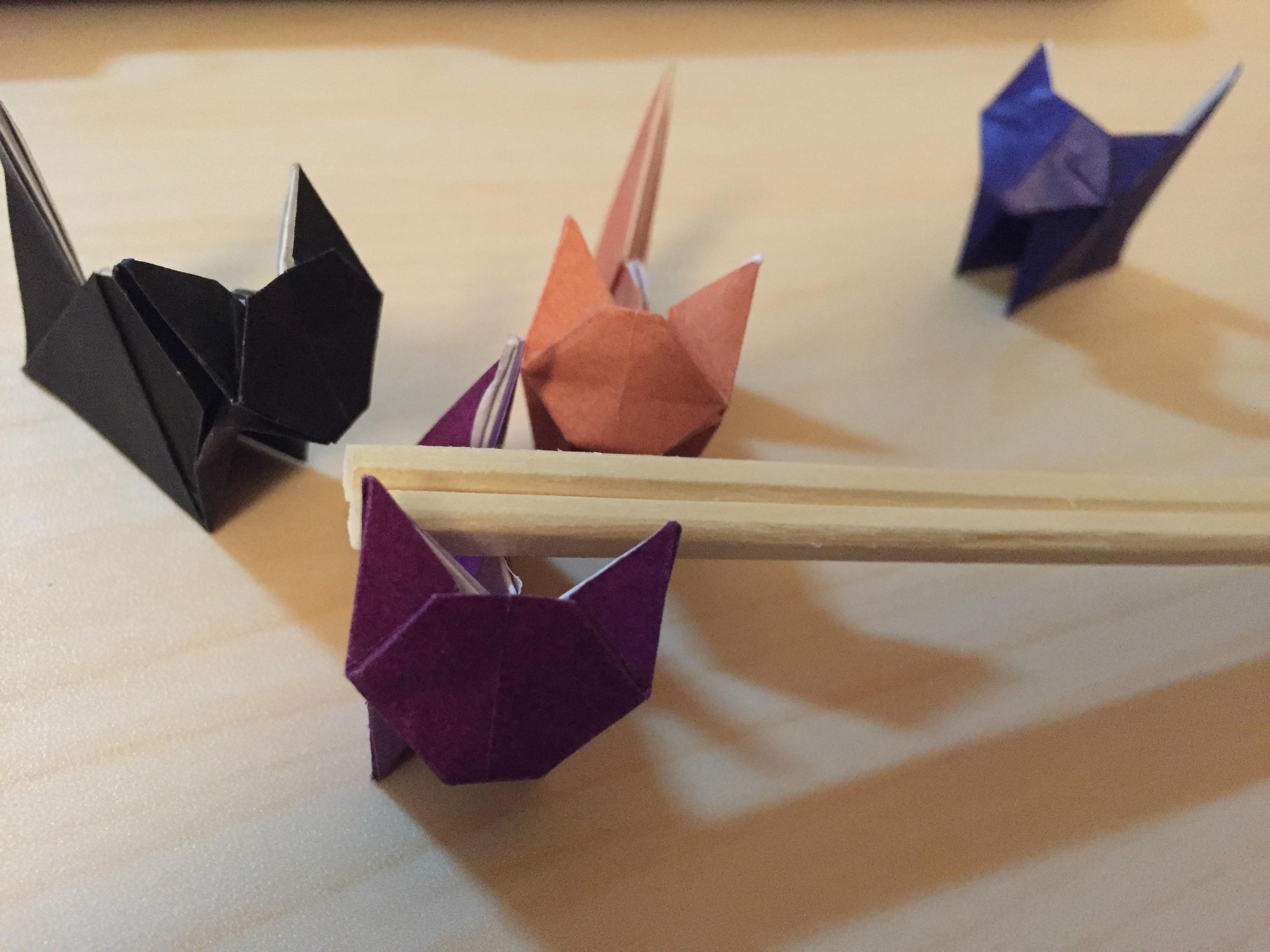 折り紙でねこの箸置き